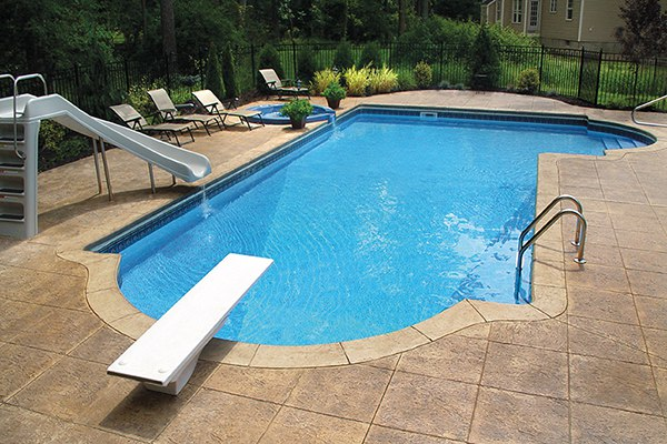 ceramic pool with Vantage system