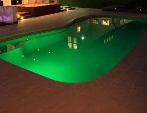 Podsvietenie karbónového bazéna